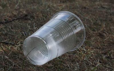 We drinken steeds meer plastic via ons drinkwater